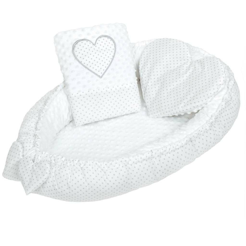 Luxus babafészek szett párnával és paplannal New Baby Szívecske (fehér)